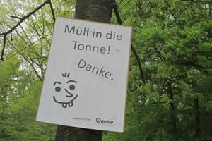 Heidelberg: BUND-Aktion gegen den Müll auf dem Heiligenberg